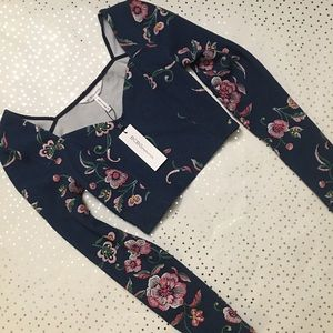 💎NWT💎 BCBGeneration Floral Crop Top
